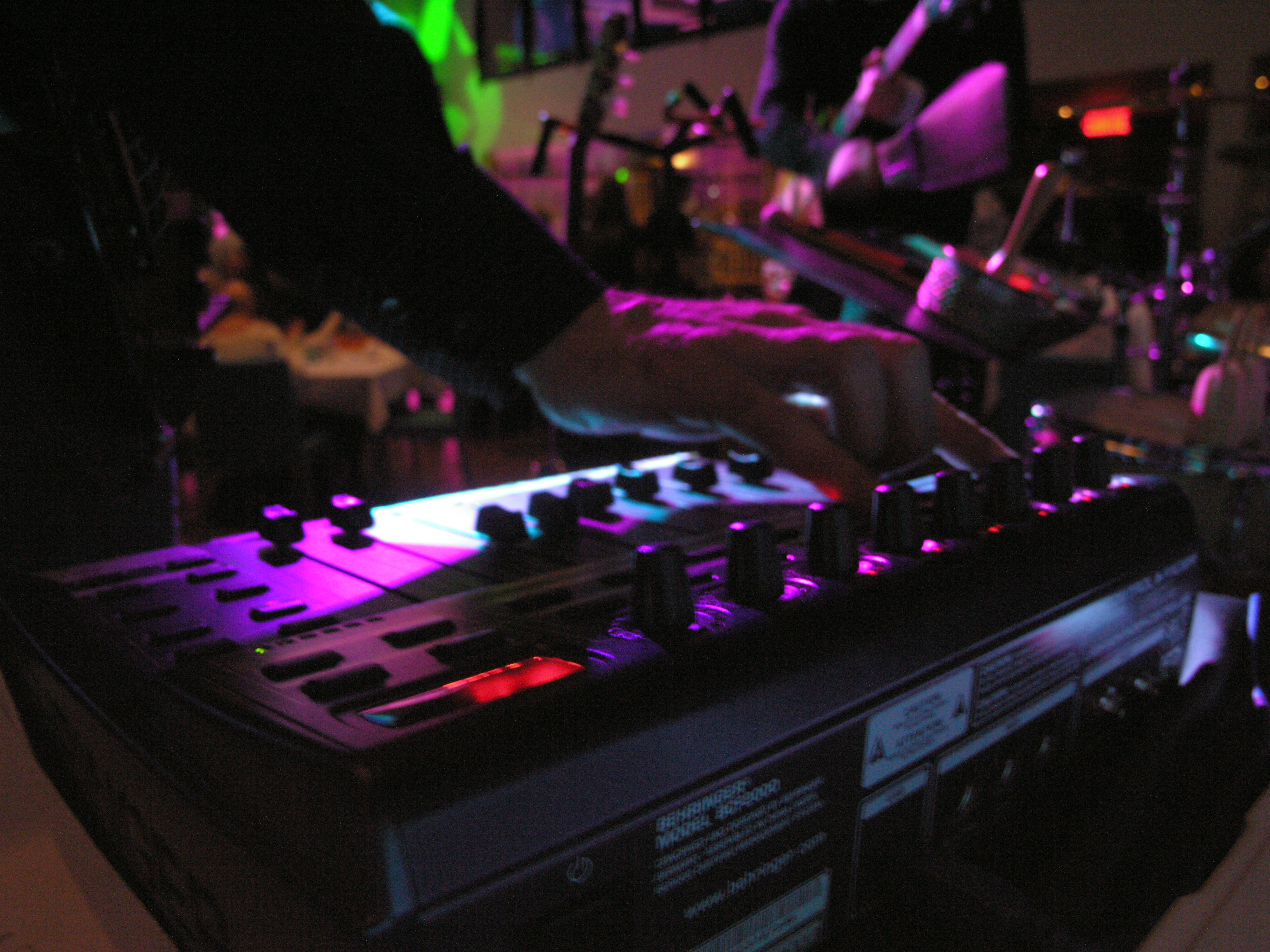 ÜRBEAT MONTRÉAL musiciens DJ électro