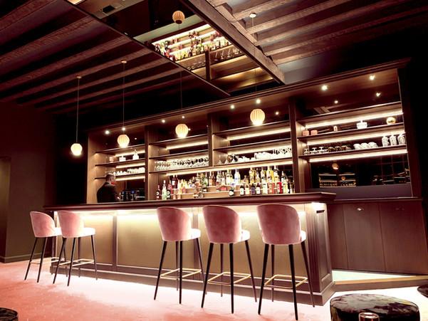 LE1825-le bar-1.jpg
