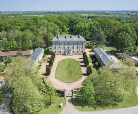 Chateau de la Brulaire (2).jpg