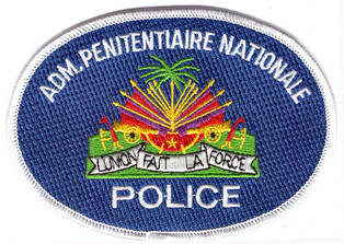 Gefängnispolizei_Haiti.jpg