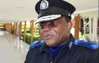 Bild Malawi Police Chief.JPG