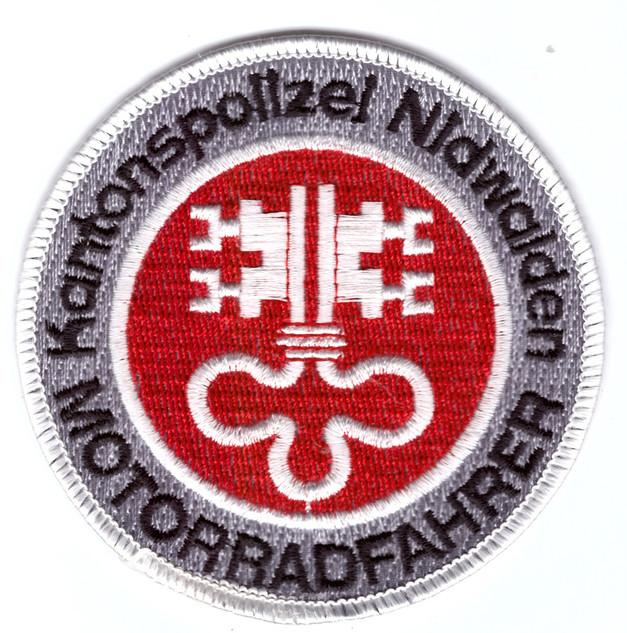 Kapo Nidwalden Motorradfahrer.jpg