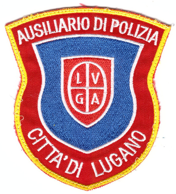 Stapo Lugano-Helfer der Polizei.jpg