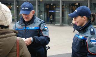 Bild Polizei Zug.jpeg