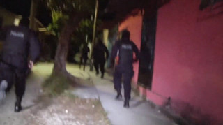 Policia El Salvador.WMV