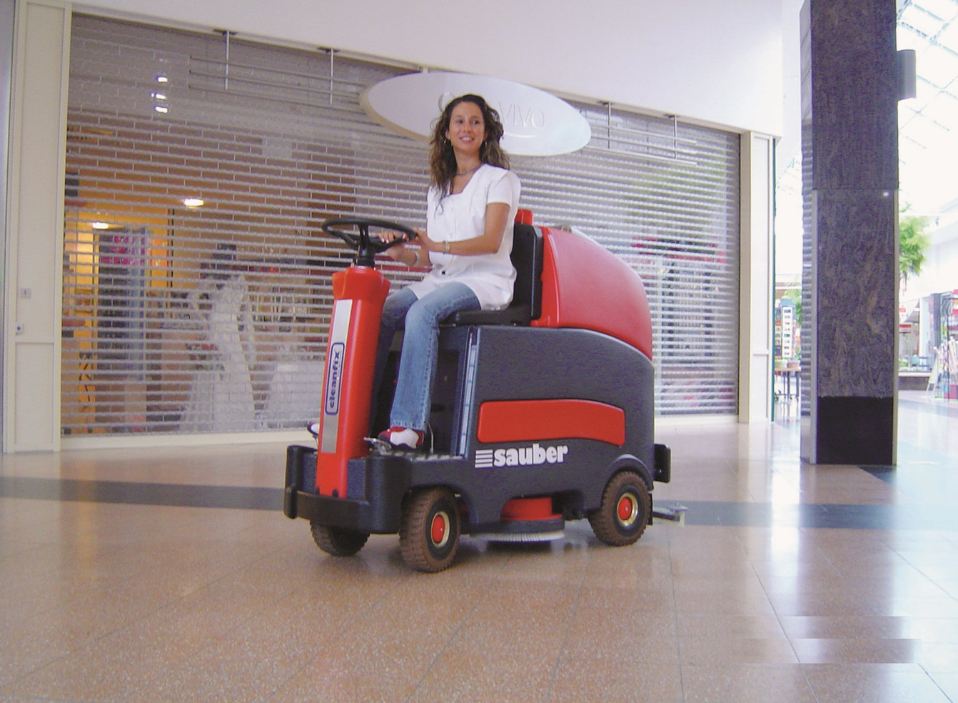 RA900 Scrubber In Action