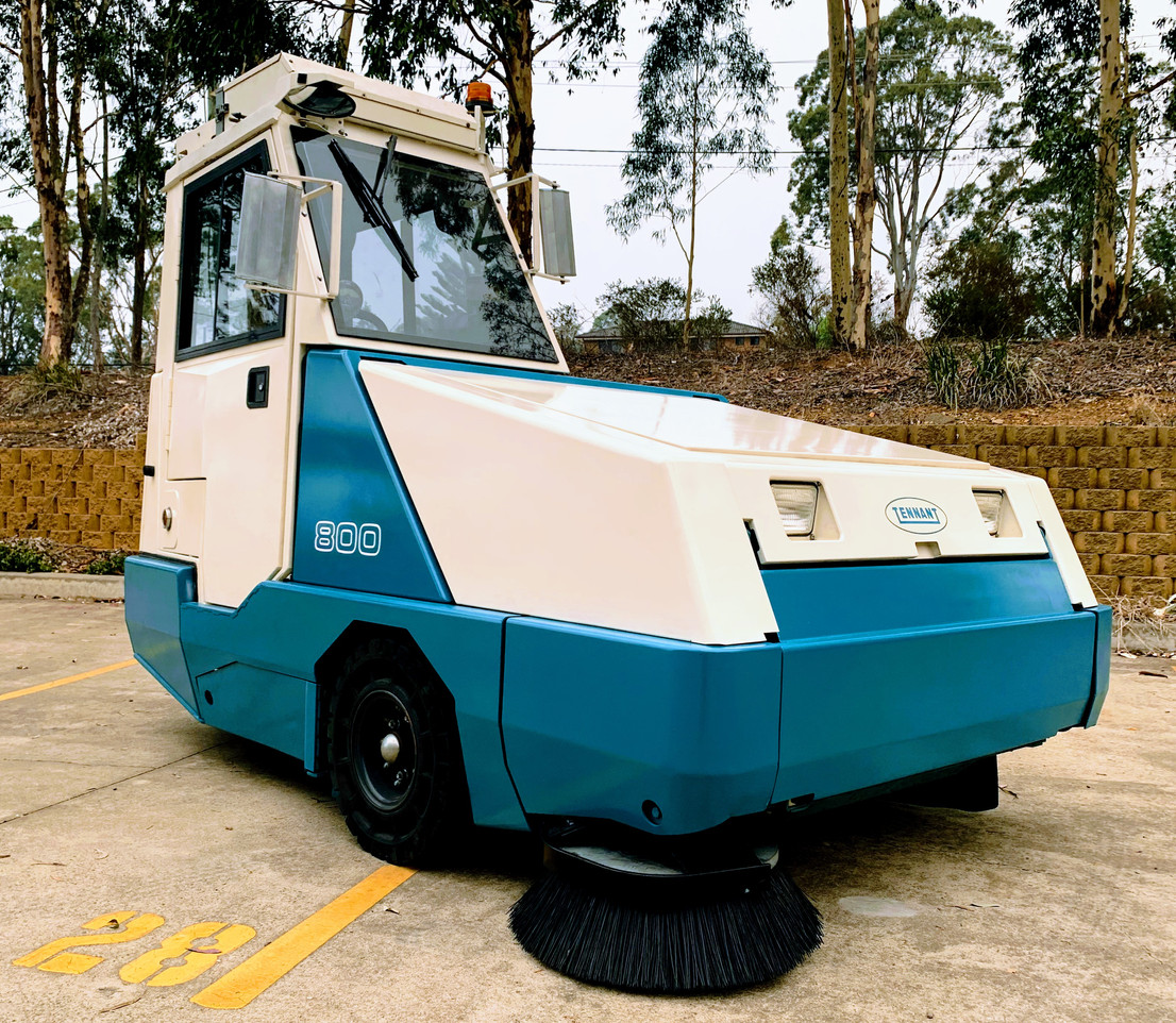 Tennant 800 heavy duty sweeper for sale