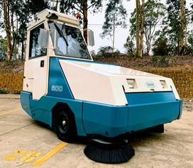 Tennant 800 heavy duty sweeper for sale