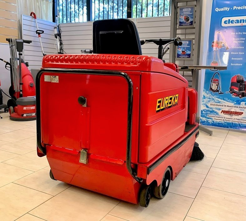 Right Rear Photo of Eureka Sweeper