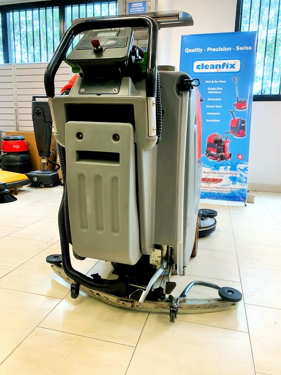 Hako B70CL scrubber dryer