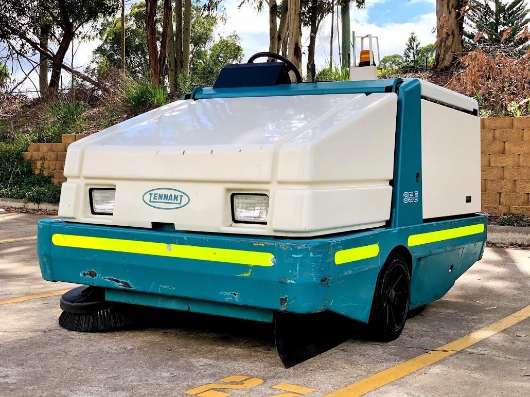 Industrial LPG powered sweeper Powersweep Australia