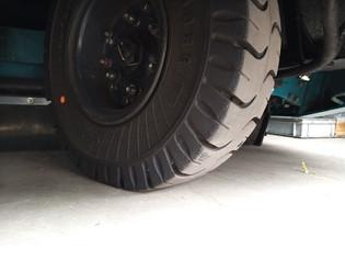 Tennant 800 rear tyre