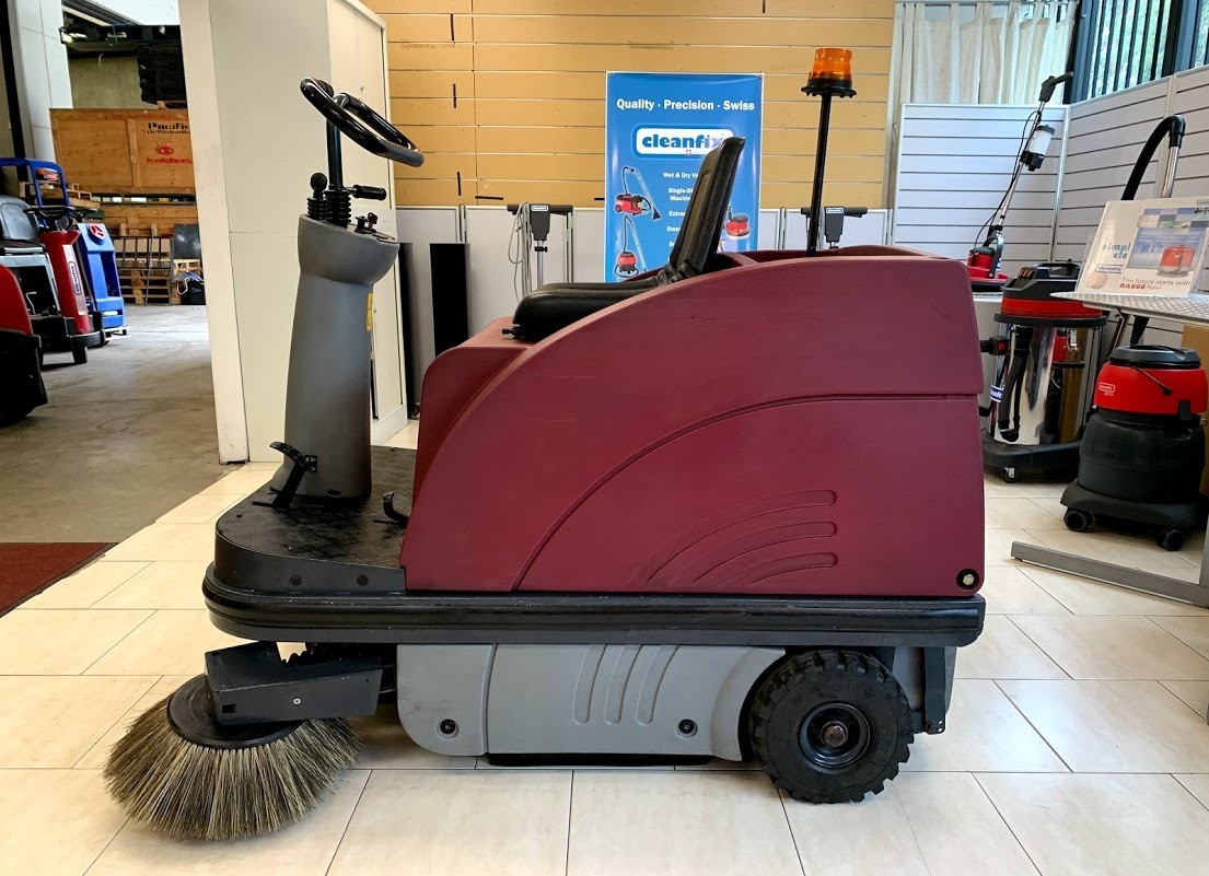 Hako sweeper left side