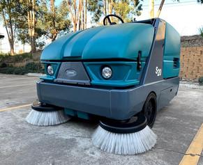 Tennant S20 Diesel Sweeper
