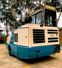 Tennant 800 with cabin