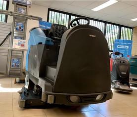Battery powered Fimap Ride On Floor scrubber