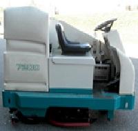 Tennant 7200 - Rider Scrubber