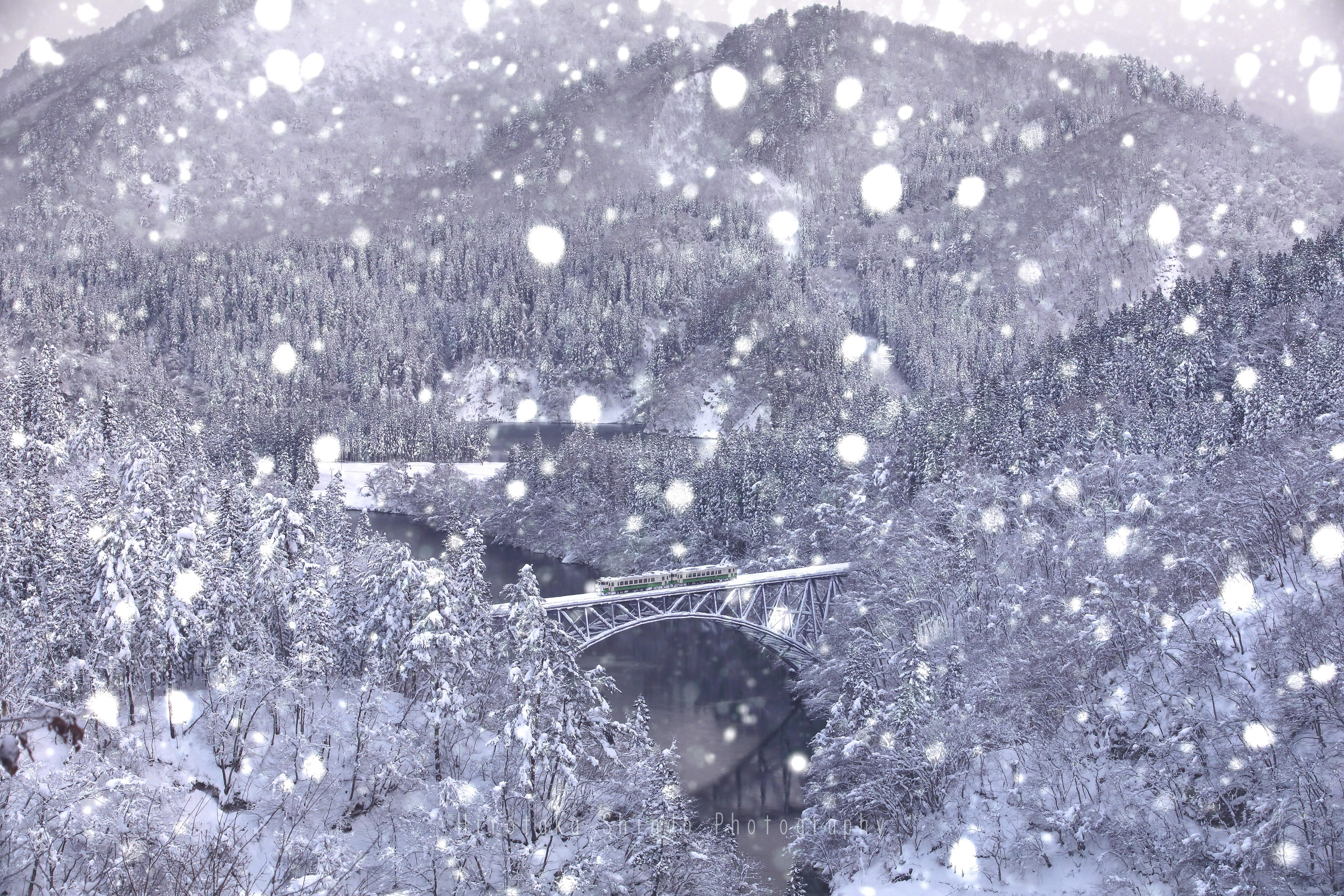 豪雪の中をゆく