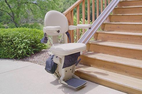 outdoor-stairlift-straight.jpg