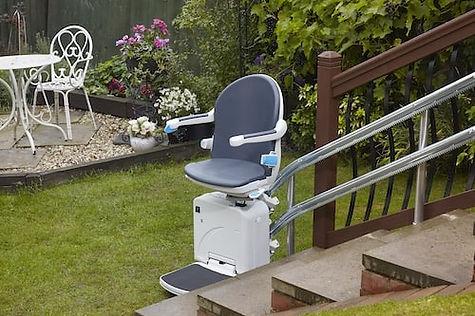 2000_Handicare outdoor-min.jpg