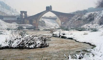 Pont del diable al riu Llobregat.jpg