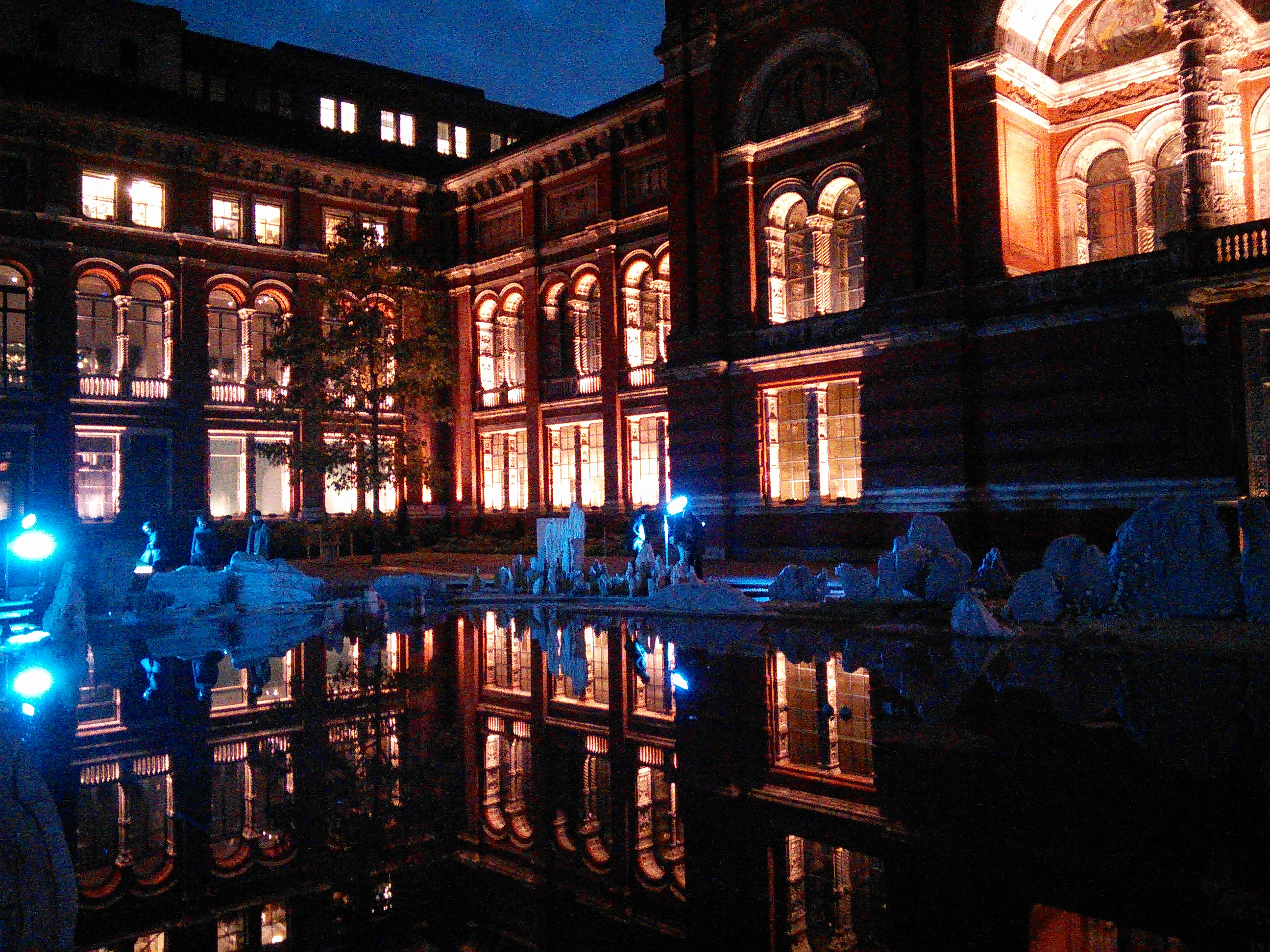 V&A Courtyard, London