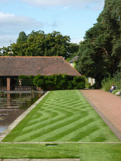 The art of mowing,Wisley