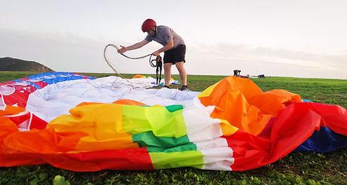 Paraglider folding.jpg