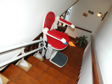 How Installing Stair Lifts Improve the Quality Of Life for Aging Seniors