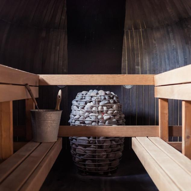 HIVE-Sauna-Heater-in-Iglucraft.jpg