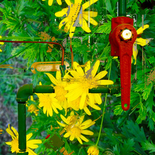Red handle with yellow flowers