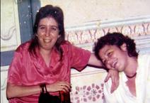 SARA Y DIANA- LA VICTORIA.png