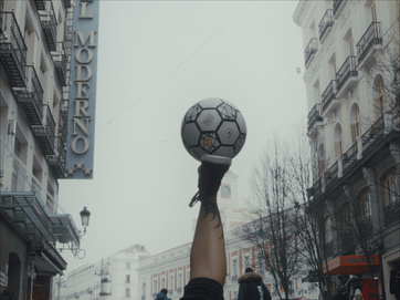 all-i-need-is-a-ball_02.tif