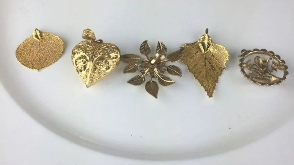 5 Delicate Goldtone Pendants