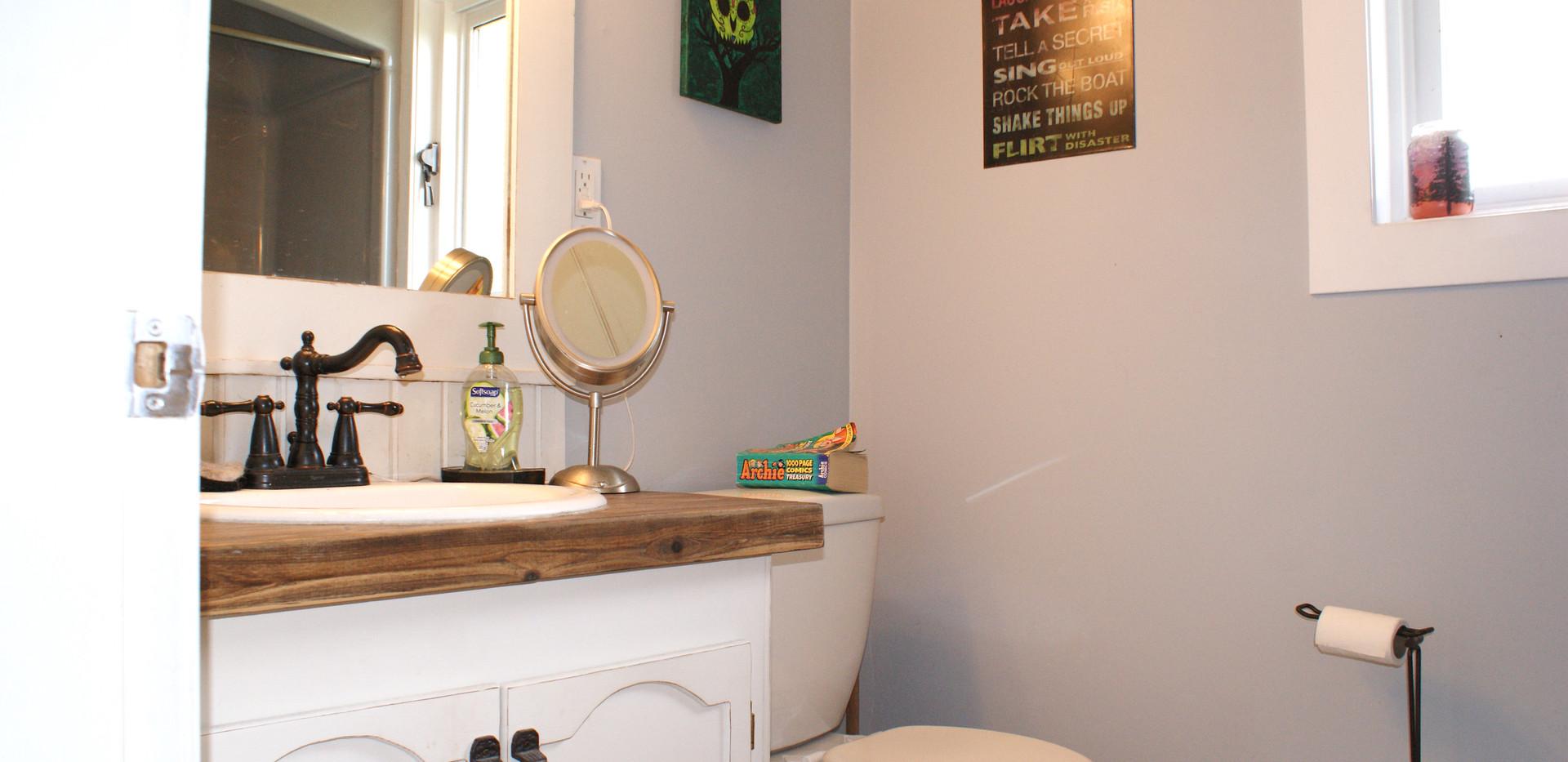 Bathroom Suite.JPG
