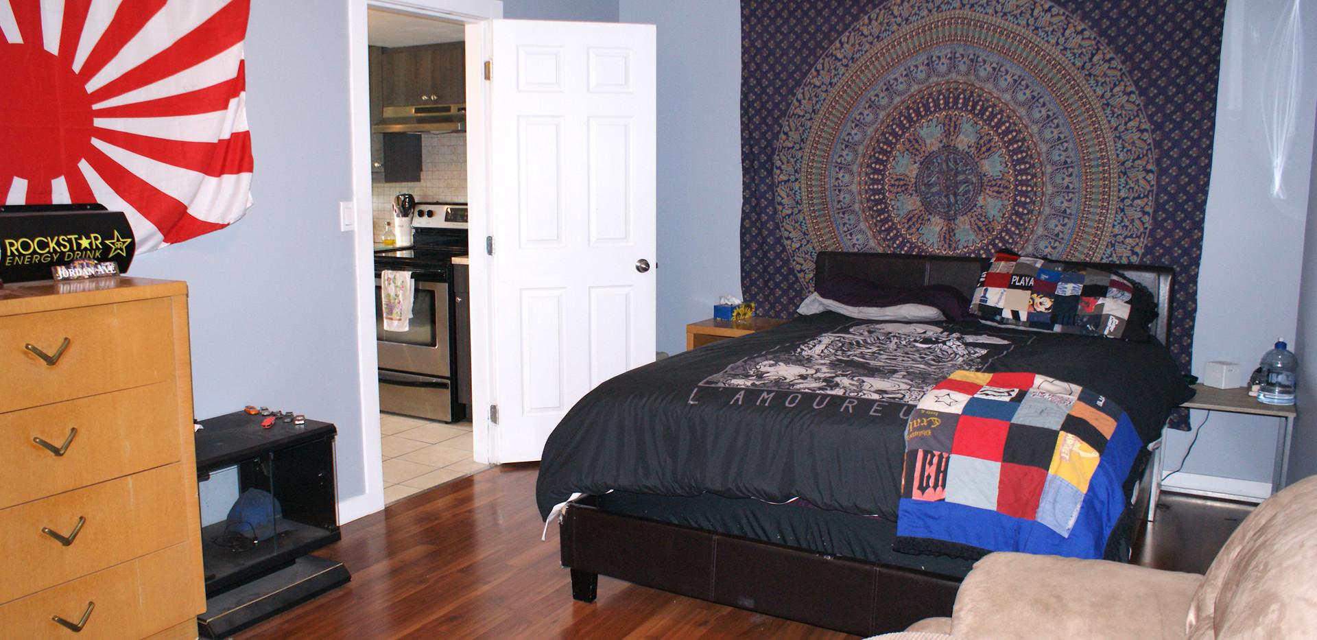 Bedroom:Den Suite 2.JPG