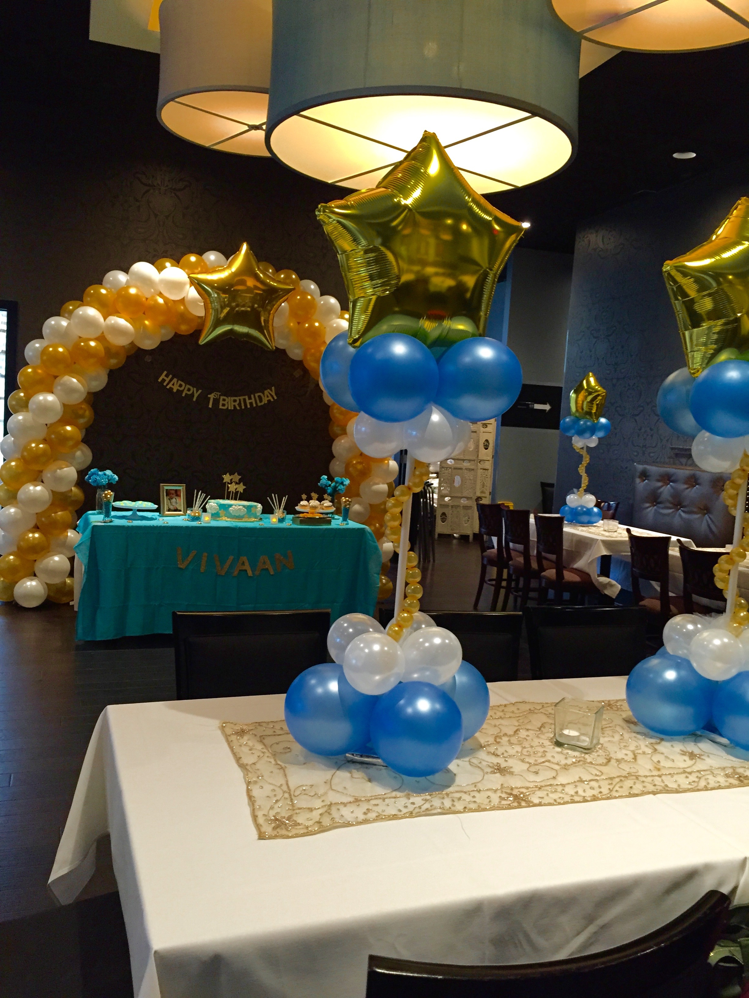 dfa balloon centerpiece blue2