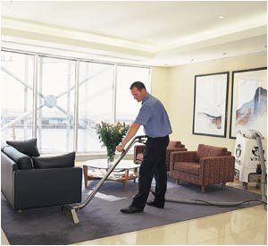 Why Allergy Sufferers Should Avoid Wet Carpet Cleaning