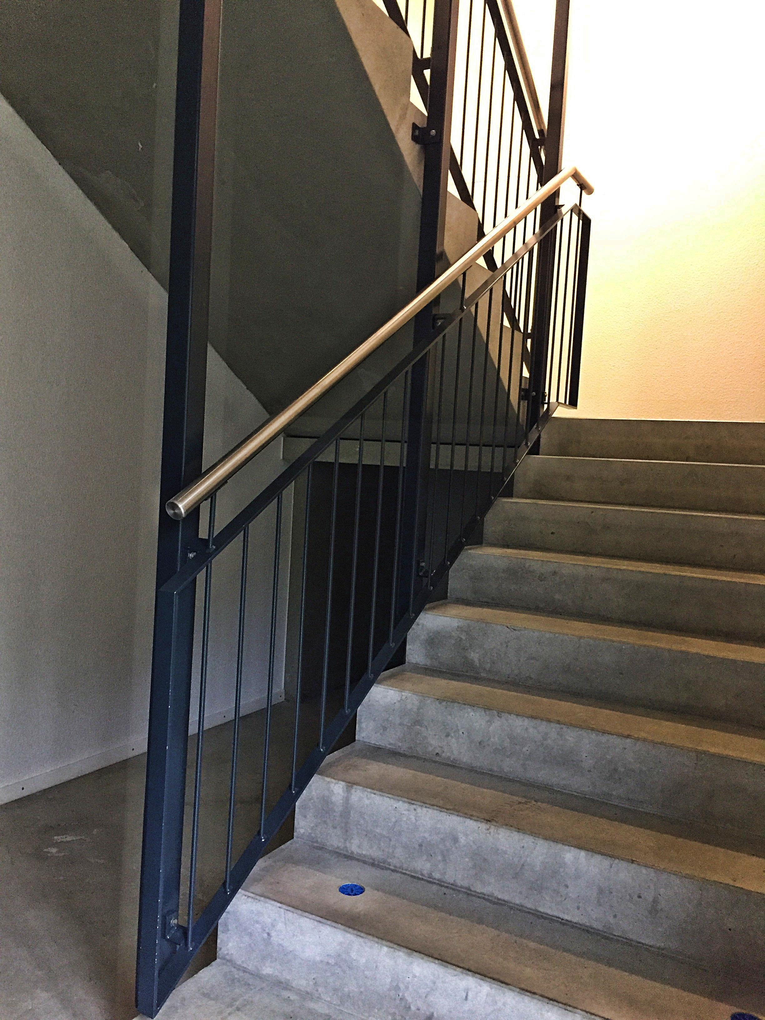 Demontage eines Treppengeländers