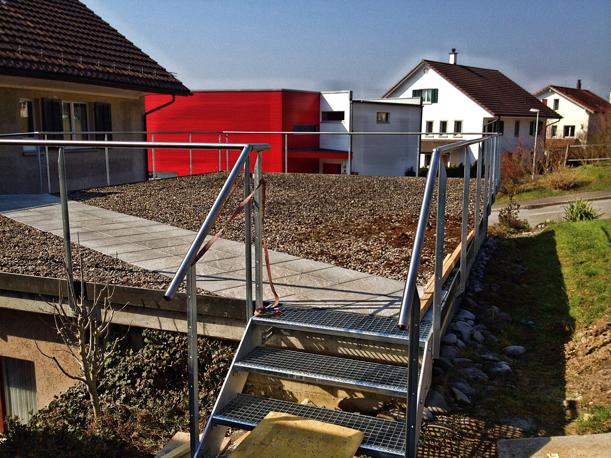 Balkongeländer mit Treppe