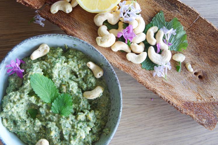Eat // Zitronenmelissen Pesto