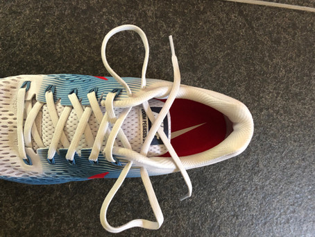 How to tie your running shoe shoelaces?