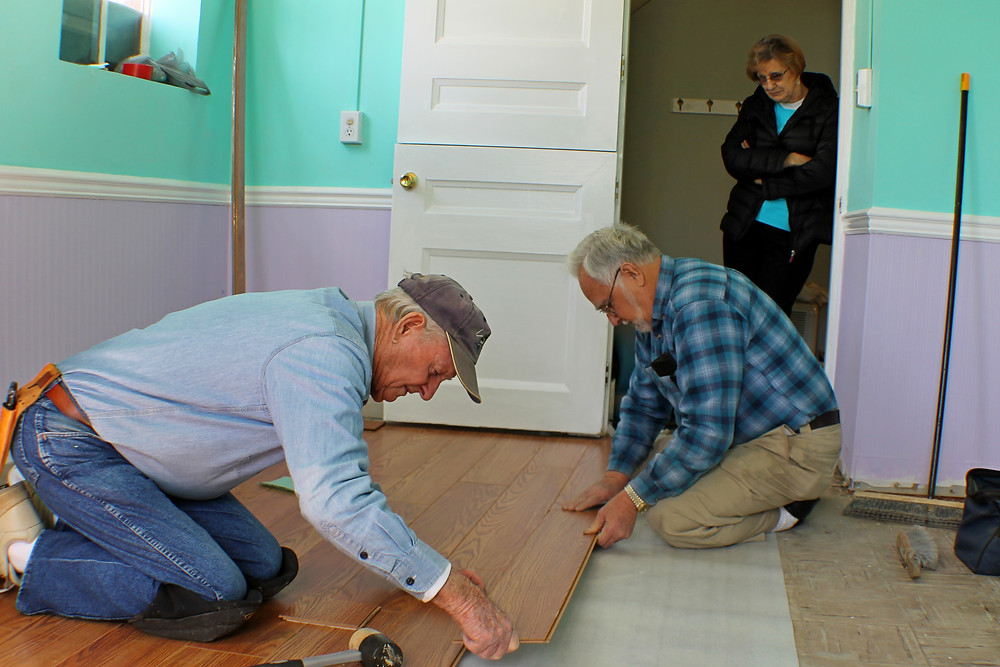 Laminate, DIY, Hardwood, Oak, Hickory, Pine Southwest Michigan Hardwood floor refinishing and repair