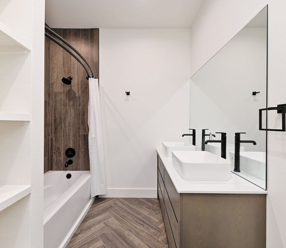 Austin Bathroom 2.jpg