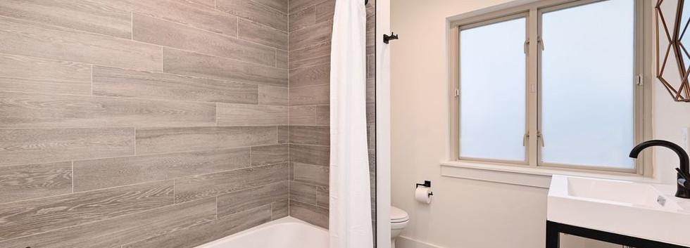 Austin Bathroom 3.jpg