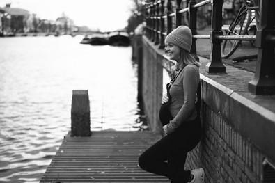 PREGNANCY PHOTOGRAPHY AMSTERDAM FRAMEDBY