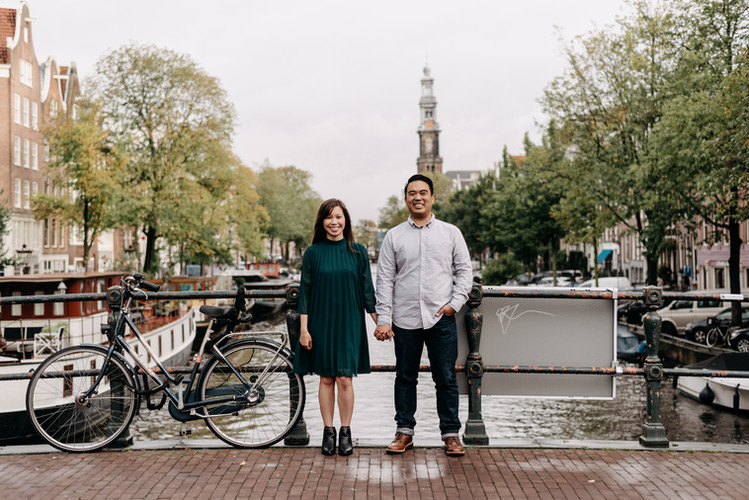 Couple photoshoot in Amsterdam | framedbyemily.com