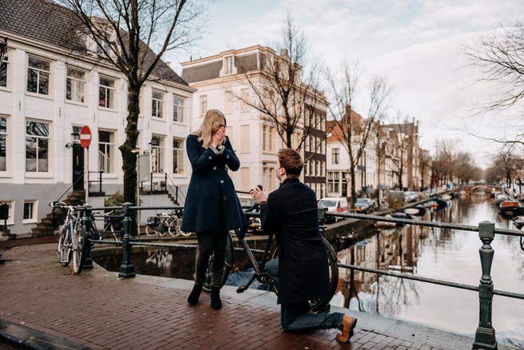Propoposal photoshoot in Amsterdam | framedbyemily.com