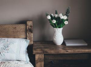 ベッドサイドの花