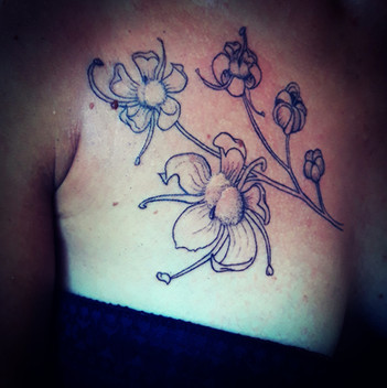 tatouage chamanique fleure